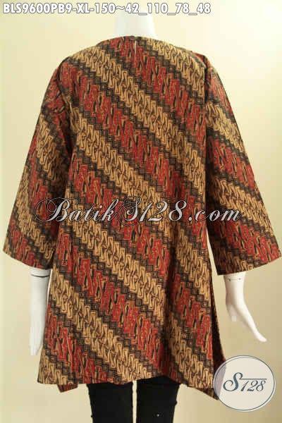 Busana Batik Atasan Untuk Wanita Dewasa Motif Parang Klasik Berpadu Warna Nan Berkelas, Model A Tanpa Krah Lengan 7/8 Pakai Kancing 1 Di Belakang [BLS9600PB-XL]