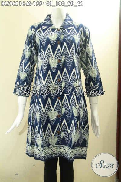 Blouse Batik Motif Unik Dan Trendy, Pakaian Batik Wanita Model Krah Bahan Halus Nyaman Di Pakai, Baju Batik Kancing Depan Lengan 7/8 Hanya 155K [BLS9621C-M]