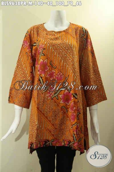 Blouse Bahan Paris Motif Klasik Dengan Ornamen Bunga Proses Printing, Baju Batik Wanita Muda Model A Tanpa Krah Lengan 7/8 Di Lengkapi Kancing 1 Belakang, Pas Untuk Kerja [BLS9638PR-M]