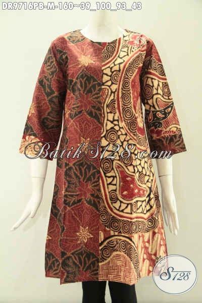 Dress Batik Solo Masa Kini Kwalitas Istimewa, Hadir Dengan Kombinasi 2 Motif Model Lengan 7/8 Tanpa Krah Yang Di Lengkapi Resleting Belakang [DR9716PB-M]