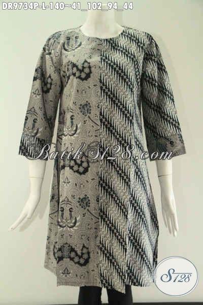 Toko Busana Batik Online Pilihan Terlengkap, Jual Dress Kombinasi 2 Motif Model Tanpa Krah Khas Jawa Tengah, Berbahan Halus Lengan 7/8 Pakai Resleting Belakang Tampil Makin Gaya [DR9734P-L]