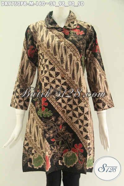 Busana Batik Wanita Motif Elegan Klasik Kwalitas Istimewa Bahan Halus Nyaman Di Pakai, Dress Batik Solo Kekinian Model Kerah Lengan 7/8 Pakai Kancing Depan Sampai Bawah [DR9750PB-M]