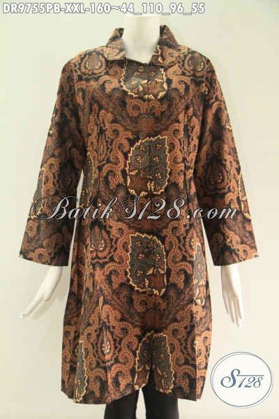 Dress Batik Wanita Gemuk Motif Elegan Dengan Sentuhan Klasik, Pakaian Batik Istimewa Model Kerah Pakai Kancing Depan Sampai Bawah Lengan 7/8, Tampil Modis Dan Berkelas [DR9755PB-XXL]