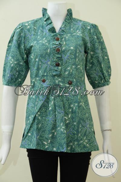 Sedia Pakaian Batik Terbaru Dengang Desain Dan Motif Trend Masa Kini, Blus Batik Hijau Lengan Pendek Proses Cap Untuk Tampil Cantik Sepanjang Hari [BLS1875C-M]