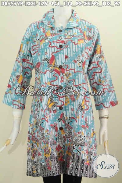 Aneka Baju Batik Untuk Wanita Dewasa, Pakaian Batik Motif Unik Model Kerah Bulat Berbahan Halus Proses Printing Bikin Penampilan Lebih Istimewa Dan Elegan [DR5372P-L]