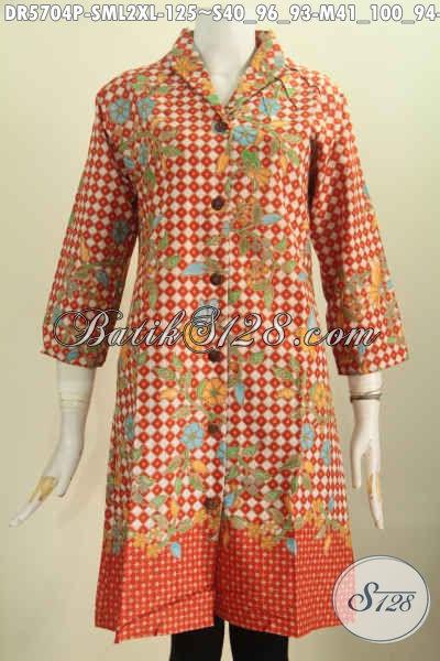 Aneka Busana Batik Wanita Terkini, Baju Batik Kerah Langsung Motif Trendy Proses Printing Bahan Halus Harga 125K [DR5704P-M , L]