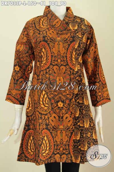 Dress Batik Klasik Buatan Solo Trend Model 2020 Dengan Kerah Miring Dan Kombinasi 2 Motif Untuk Penampilan Makin Mewah [DR7033P-L]