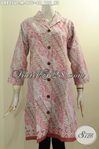 Model Baju Batik Wanita Terbaru, Dress Batik Modis Lengan 3/4 Bahan Adem Motif Klasik Warna Pink Proses Cap Dengan Krah Langsung, Tampil Lebih Modis [DR8256C-M]